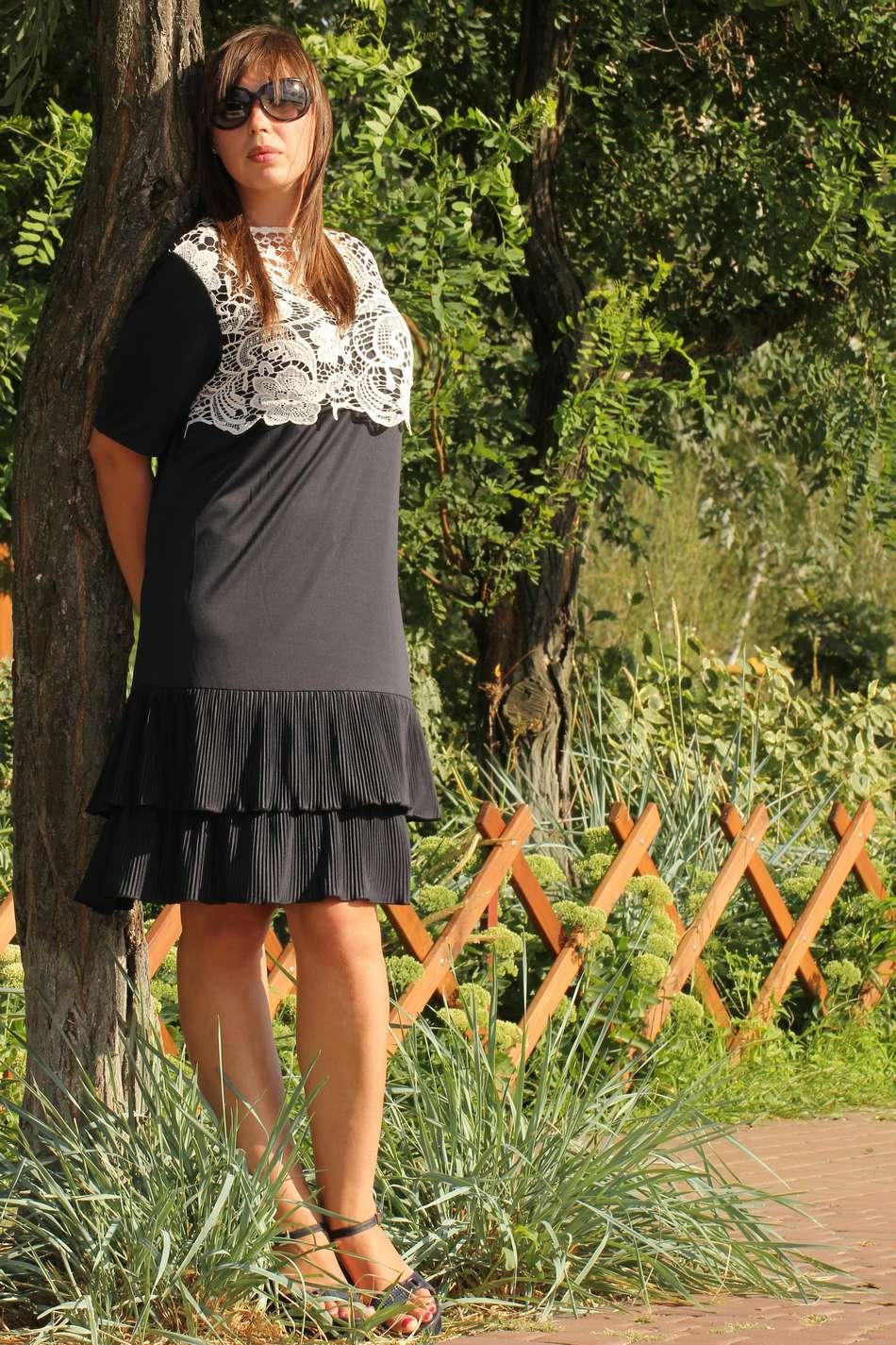 Платье с пелериной кружево-макраме черное