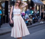 Как носить юбку миди