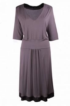 Платье оливковое с вырезом мыс