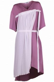 Сиреневое шелковое платье с плиссе