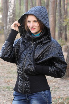 Бомбер куртка из термостеганого атласа с восковым покрытием