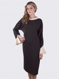 Платье летучая мышь из коричневой шерсти с шелковым бежевым воротником и манжетой