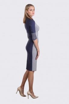 Трикотажное  платье со стойкой в сине серую полоску