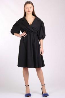 Платье черное с раскрытым воротником