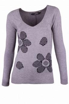 Пуловер светло-серый с ромашками
