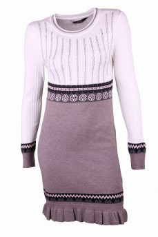 Платье цвета капучино с скандинавским узором