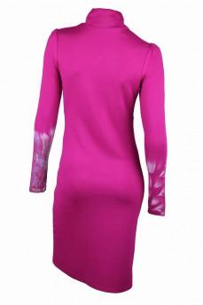 Платье-футляр розовое с воротником стойка и каплей