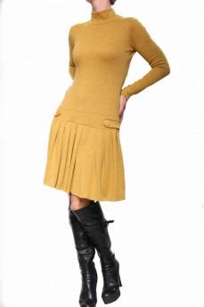 Платье желтое с заниженной талией и юбкой в складку