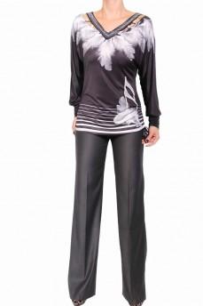 Блуза с абстрактным рисунком белые перья