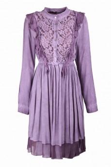 Платье с гипюром сиреневое