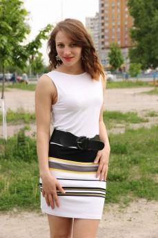 Платье с цветными поперечными полосами