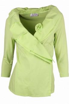 Блуза с объемным воротником на запах