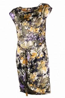 Платье  шелковое с вырезом лодочка