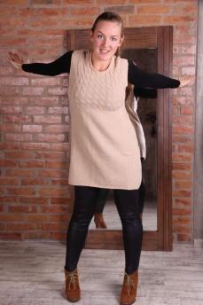 Платье бежевое из шерсти с вязкой косички
