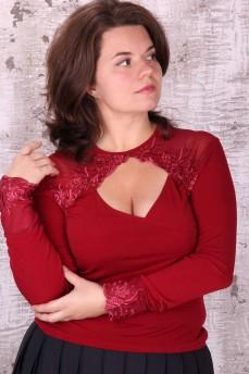 Блуза бордо с глубоким декольте