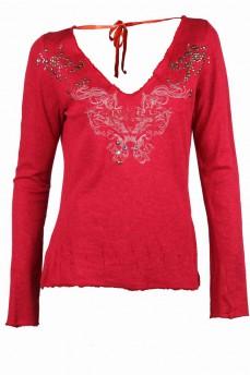 Блуза красная с V-образным вырезом по переду и спине