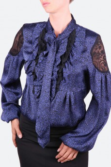 Блуза синяя из натурального шелка с кружевом