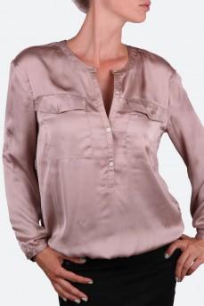 Блуза с накладными карманами цвета кофе с молоком