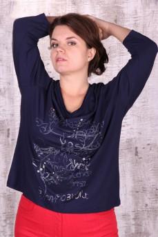 Блузка темно-синяя с вырезом-мыс и рисунком