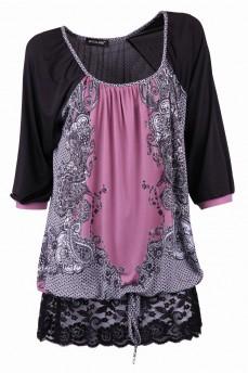 Блуза цвета фрез с кружевной оборкой на кулиске