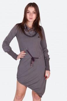 Ассиметричное платье с воротником хомут