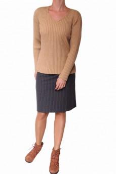 Пуловер бежевого цвета из тонкой шерсти вязка резинка
