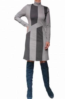 Платье прямого силуэта с прямыми полосами и камнями