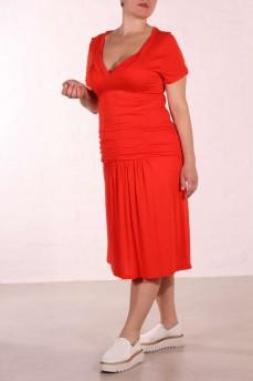 Платье с драпировкой по бедру